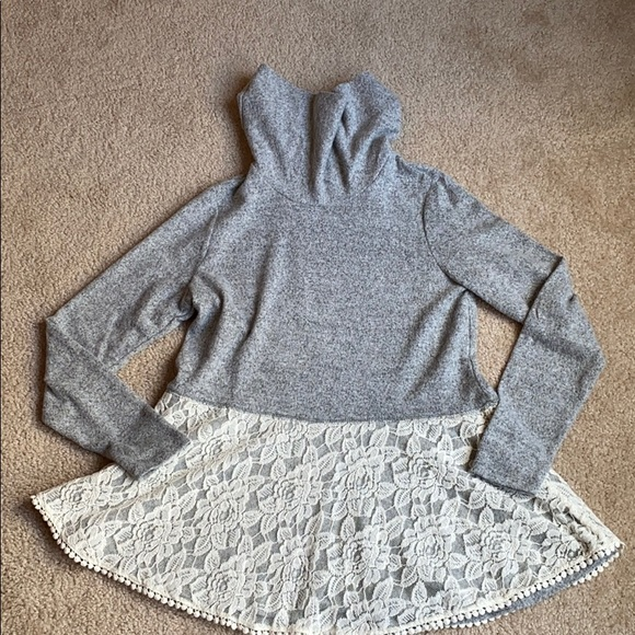Rose knox Woman's sweater size small